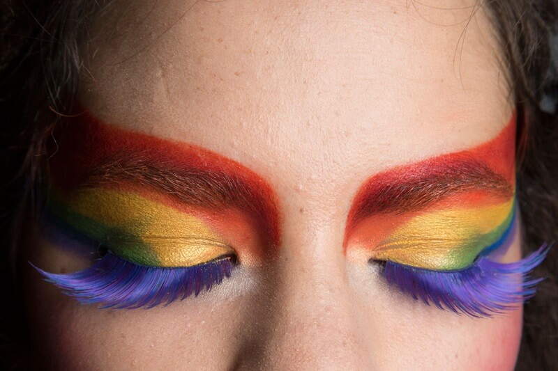 Spring 2016 colorful eye makeup trends by FTG: http://www.fashiontogo-ftg.com/are-you-ready-for-some-bright-colors/