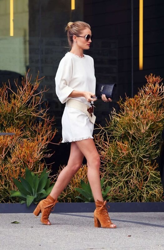 Spring 2016 celebrity fave color - white by FTG: http://www.fashiontogo-ftg.com/white-celebs-fave-spring-color/